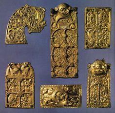 Arte vichinga finimenti in bronzo dorato trovati a Broa, nell'isola svedese di Gotland,- Cerca con Google