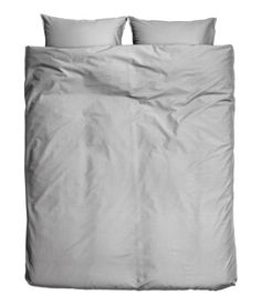 Gray. King/queen duvet cover set in cotton fabric. Two pillowcases. Thread count 144.