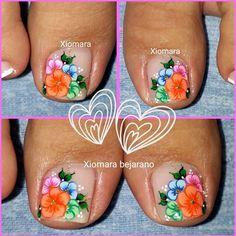 uñas decoradas #damas #uñas #vestidos #dresses #tatuadas #honor Pretty Toe Nails, Pretty Toes, Pedicure Nail Art, Toe Nail Art, New Nail Art Design, Summer Toe Nails, Aycrlic Nails, Butterfly Nail, Cute Toes