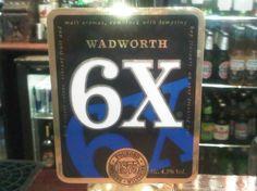 Cerveja Wadworth 6X, estilo Extra Special Bitter/English Pale Ale, produzida por Wadworth Brewery, Inglaterra. 4.3% ABV de álcool.