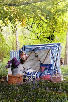 Find a quiet spot, set up a tent and have a day-long picnic. Picnic Time, Summer Picnic, Summer Fun, Picnic Parties, Picnic Set, Beach Picnic, Country Picnic, Outdoor Fun, Outdoor Decor