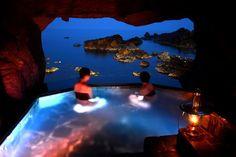 石川・能登のランプの宿。お風呂から海が見えるとか、しかも灯りはランプとか、もうね。。