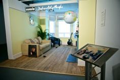 The Definitely Maybe album cover was recreated in 3D for the event