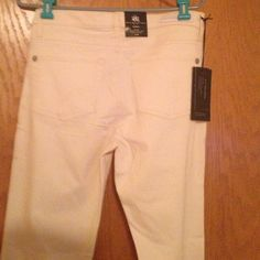 """NWT Rock & Republic , NWT $88 So on Trend ✨ These are Brand New I Never Even tried them. Very cute . Price tag is still on they we're  $88 , This color is harder to find . Really nice . Skinny fit misses . Who's gonna get this deal. These are brand new and never worn . Perfect summer pants .,these are a deal ladies brand new """"Brand new ladies they are hot but I don't want to put them on I will keep ., lol Cannot go any lower """"!! These are super nice and BNWRTags . Such a good deal """"❤️❤️ Rock…"""