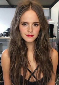 Pin by Alyse Aben on Beauty in 2020 Emma Watson Makeup, Emma Watson Hair, Emma Watson Beautiful, Emma Watson Sexiest, Beautiful Celebrities, Beautiful Actresses, Enma Watson, Fangirl, Actrices Sexy