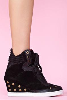 Yana Stud Sneaker