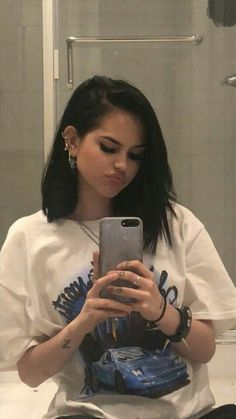 Find images and videos about girl, fashion and pretty on We Heart It - the app to get lost in what you love. Aesthetic Hair, Bad Girl Aesthetic, Alternative Makeup, Peinados Pin Up, Maggie Lindemann, Grunge Girl, Tumblr Girls, Hair Inspo, Pretty People