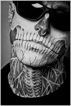 Rick Genest - The Zombie Boy - Tattoos / Piercing / Bodyart / Shades Skull Face Tattoo, Face Tattoos, Boy Tattoos, Tattoos For Guys, Sailor Tattoos, Bodysuit Tattoos, Dragon Tattoos, Rick Genest, Halloween Make Up