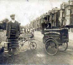hendon-finchley-milkman-handcart