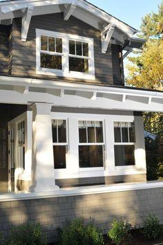 25 Astonishing Eksterior & Interior Window Trim Ideas for Your Dreamed House! - Home Decor Ideas Craftsman Window Trim, Craftsman Exterior, Exterior Trim, Craftsman Style Homes, House Paint Exterior, Craftsman Bungalows, Exterior House Colors, Exterior Design, Exterior Windows
