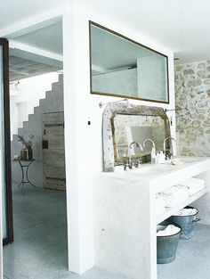French By Design: A white loft in Paris
