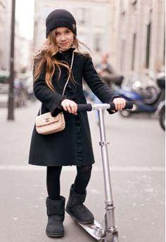 #gorro #Bonnet #vestido #niña #estilo #elegante #dress #girl #style #elegant…