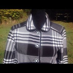 Requirements Women's Plaid Shirt Size 10 #Requirements #ButtonDownShirt #Career