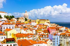 The Essential Travel Guide to Lisbon (Infographic)