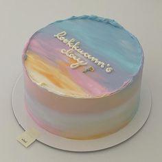 Modern Birthday Cakes, Pretty Birthday Cakes, Cute Birthday Cakes, Gorgeous Cakes, Pretty Cakes, Cotton Candy Cakes, Eid Cake, Buttercream Cake Designs, Simple Cake Designs