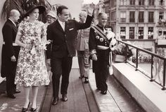 Princess Grace and Prince Rainier of Monaco in Ostend, Belgium in June 1958 Princess Grace Kelly, Prince Rainier, Monaco Royal Family, Royal Prince, Famous Couples, Prince Albert, Royal House, Her Smile, Amazing Grace