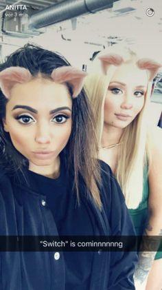 """Anitta e Iggy Azalea publicam fotos do set de filmagens do clipe de """"Switch"""" #Anitta, #Brasil, #Clipe, #Fotos, #Iggy, #IggyAzalea, #Lançamento, #Noticias, #Rapper, #Single, #Snap, #Status, #Twitter, #Vídeo http://popzone.tv/2017/04/anitta-e-iggy-azalea-publicam-fotos-do-set-de-filmagens-do-clipe-de-switch.html"""