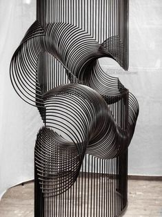 McConnell Studios - Momentum - Interactive kinetic sculpture with sound element, reflecting millipede motion. Land Art, Banksy, Kinetic Art, Op Art, Sculpture Art, Metal Sculptures, Abstract Sculpture, Bronze Sculpture, Public Art