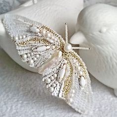 Fky new brooch by kozimoembroideries embroidery embroidered white… Couture Embroidery, Embroidery Fashion, White Embroidery, Beaded Embroidery, Embroidery Patterns, Hand Embroidery, Bead Crafts, Jewelry Crafts, Jewelry Art
