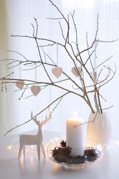bastelideen weihnachten Winter is almost here, and we have selected and published 100 fantastic and creative Christmas crafting ideas for your inspiration! Minimalist Christmas, Modern Christmas, Scandinavian Christmas, Beautiful Christmas, Christmas Cubicle Decorations, Handmade Christmas Decorations, Holiday Decor, Noel Christmas, Christmas Crafts