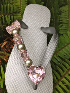 Heart N Bow by Flipinista, Your BFF Registered Trademark Marozas check out this site and all their flip flops.all made to order. Would look killer w/ your tatt.I am going to look & check out pricing. Bling Flip Flops, Flip Flop Sandals, Flip Flop Craft, Decorating Flip Flops, Shoe Crafts, Everything Pink, Bare Foot Sandals, Flipping, Diy Fashion