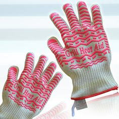 """#1 STEAM, Heat & Flame Resistant Gloves - If Not YOUR MONEY BACK GUARANTEED!  """"The Best All Round Outdoor & Indoor Gloves to Protect Your Hands""""  *Easy to wash, Machine washable*Oven Glove covers up to your wrist  MATERIALSThe kitchen glove made with 3 layers, exterior layer is made of meta & para-aramid (known as Kevlar & Nomex) for heat and flame protection, the middle layer being latex rubber for steam protection & the inside layer of glove being comfortable ..."""