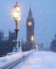 Christmas in London🎄🇬🇧💕 Merry Christmas Gif, Christmas Scenery, London Christmas, Christmas Music, Winter Christmas, Christmas Lights, Christmas Eve Quotes, Merry Christmas Wallpaper, Minimal Christmas