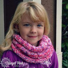 Danyel Pink Designs: FREE KNITTING PATTERN - Maria Cowl