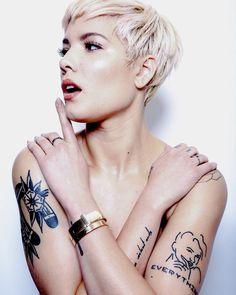 Halsey is a talented singer/songwriter Halsey Short Hair, Pixie Hairstyles, Pixie Cut, Woman Crush, New Hair, Hair Inspiration, Piercings, Short Hair Styles, Hair Makeup