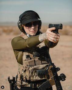 Female Cop, The Allure, Military Women, N Girls, Dark Side, Guns, Fit Bodies, Pistols, Firearms
