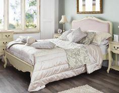 tête de lit en tissu pour décoration de chambre en style baroque