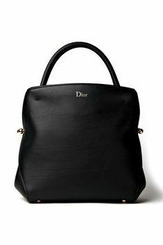 Best Handbags, Gucci Handbags, Leather Handbags, Leather Bag, Black Leather, Christian Dior, Michael Kors Wallet, Handbag Accessories, Bag Making