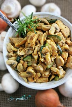 Kung Pao Chicken, Stuffed Mushrooms, Curry, Menu, Vegetables, Cooking, Ethnic Recipes, Food, Stuff Mushrooms