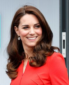 Kate Middleton is more than just a duchess. To beauty enthusiasts, she's a legit hair icon. Trust us, since marrying Prince William and officially joining the Princess Kate, Princess Charlotte, Princess Margaret, Prince William And Kate, William Kate, Duke And Duchess, Duchess Of Cambridge, Diana, Princesa Kate Middleton