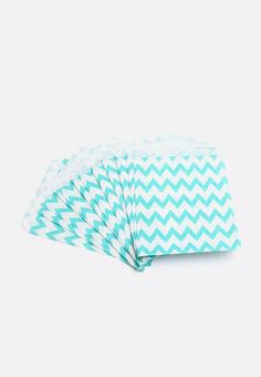 This pretty chevron pattern brings life to the party – and whatever treats you serve will look even more delicious when displayed this way! Candy Bags, Bean Bag Chair, Chevron, Pretty, Outdoor Decor, Pattern, Chic, Shabby Chic, Elegant