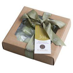 Lekre håndbakte kaker fra Sicilia med pistasjkrem. #pistasj #matgave #sicilia #olivino #julegave