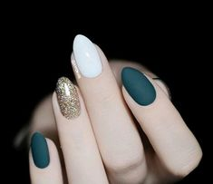 Elegant Green Matte Nail Designs Winter Autumn Fall Dark Green White Gold Powder Collision Nails Are you searching for winter nails trends? Don't miss the green matte nails, that are very elegant and perfect for winter. Green Nail Designs, Winter Nail Designs, Matte Nail Designs, Dark Green Nails, White Gold Nails, White Almond Nails, Burgundy Nails, Gel Nagel Design, Nagellack Trends