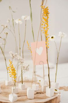 Happy Monday, Dried Flowers, Love Art, Easy Crafts, Diys, Art Pieces, Bloom, Place Card Holders, Pottery