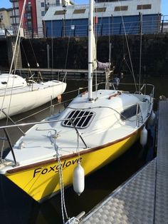 Comes with depth finder Yamaha 4 horse 4 stroke outboard engine 3 sails £1500…