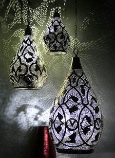 3 er Set Lampen aus versilbertem Messing und vollständig handgefertigt – erhältlich bei NOOR Design. www.noor-design.me
