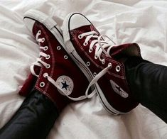 converse, shoes, and red image Maroon Converse, Converse Shoes, White Converse, Shoes Sneakers, All Star Tumblr, Burgundy Aesthetic, Estilo Converse, Chuck Taylor Sneakers, Cute Shoes