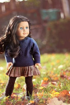 Beautiful fall photo with American girl doll Ropa American Girl, Custom American Girl Dolls, American Girl Doll Pictures, American Girl Crafts, American Doll Clothes, Ag Doll Clothes, American Dolls, Poupées Our Generation, America Girl