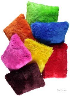 Poduszka dekoracyjna CZUPER żółty/Faux fur pillow CZUPER yellow