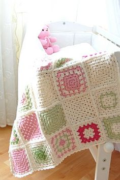 I so want to learn to crochet, just so O can make things like this, love it!!!!