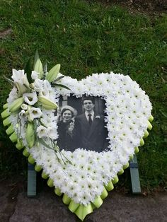Flowers by Bloomtastic Flowers. Picture funeral flowers with side spray mounted on a stand with green ribbon trim. Casket Flowers, Grave Flowers, Cemetery Flowers, Flowers For Funeral, Grave Decorations, Flower Decorations, Funeral Floral Arrangements, Flower Arrangements, Funeral Sprays