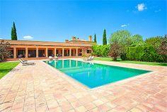 Herrschaftliche Villa mit prachtvollem Garten. Llubi, Mallorca. Herrschaftliche Villa, mit einem prachtvollen Garten, einem sensationellen Springbrunnen, einem Pool, einem Tennisplatz, einem Innenhof sowie ein Gästehaus.  http://www.inmonova.com/de/property/id/533852-finca-mallorca  http://www.inmonova.com/de/  #finca #mallorca #Llubi #immobilien #nova