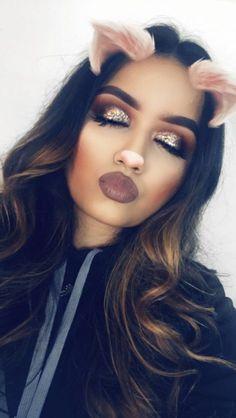 Glitter eyeshadow makeup look up on my channel glitter is from stila cosmetics #summermakeuplooks #GlitterMakeup