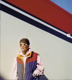 driver, vintage fashion: Leclerc seems to be inspired by Elton John colorful eyewear and clothing 70s Vintage Fashion, 70s Fashion, Best Friend Love, Daniel Ricciardo, Lewis Hamilton, F 1, Formula One, My Boyfriend, Cool Photos
