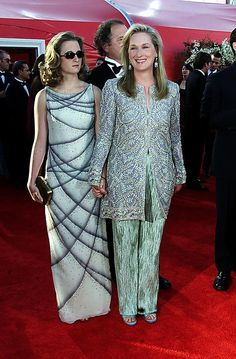 Pictures of Meryl Streep at the Oscars Over the Years | POPSUGAR Celebrity...2000