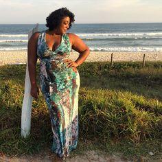 Reenergizando! ☀️ #MorenoLook #LookDoDia #Dress  #PlusSize #PlusSizeModel #PlusModel #PlusSizeFashion #PlusSizeBeauties #PlusSizeOotd #PlusSizePower #Plus #PlusSizeDress #PlusModelMAG #OOTD #Curvy #Curvspiration #CelebrateMySize  #BlackPower #Cachos #Cacheada #Curly #CurlyGirl  #Cariocando #Trintei #Moreno30 #MorenoBalzaca #Domingando #BoaTarde #MuackBeijoDaPreta